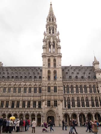 Converging Verticals - Grand Place
