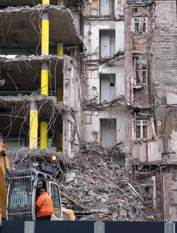 demolition of building in st andrew square edinburgh