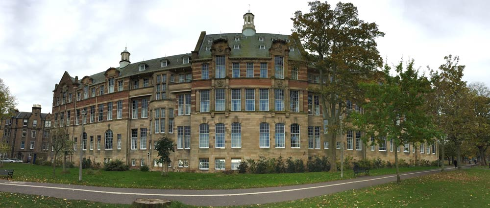 building-on-the-links-in-edinburgh