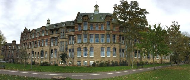 building-on-the-links-in-edinburgh