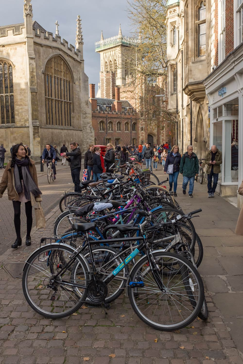Bicycles, pedestrians and buildings in Cambridge, England