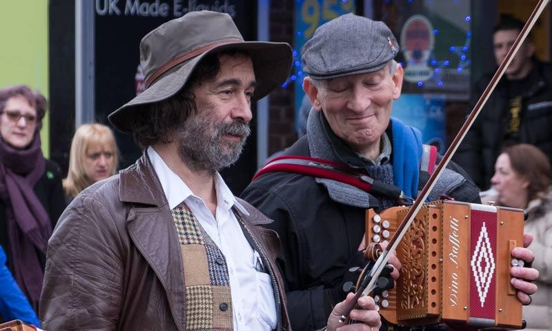 street musicians close up 5x3