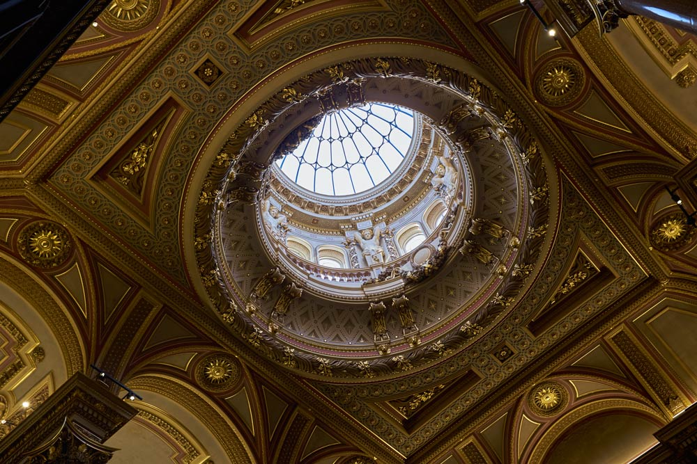 Cupola in the Fitzwilliam Museum in Cambridge at 1/15th second