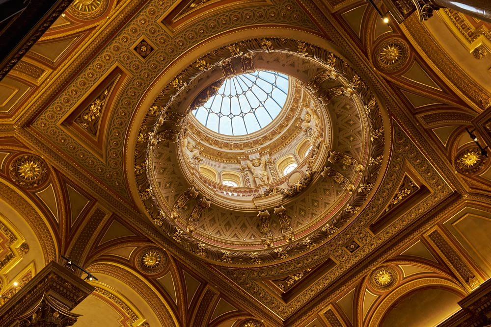 Cupola in the Fitzwilliam Museum in Cambridge at 1/125th second